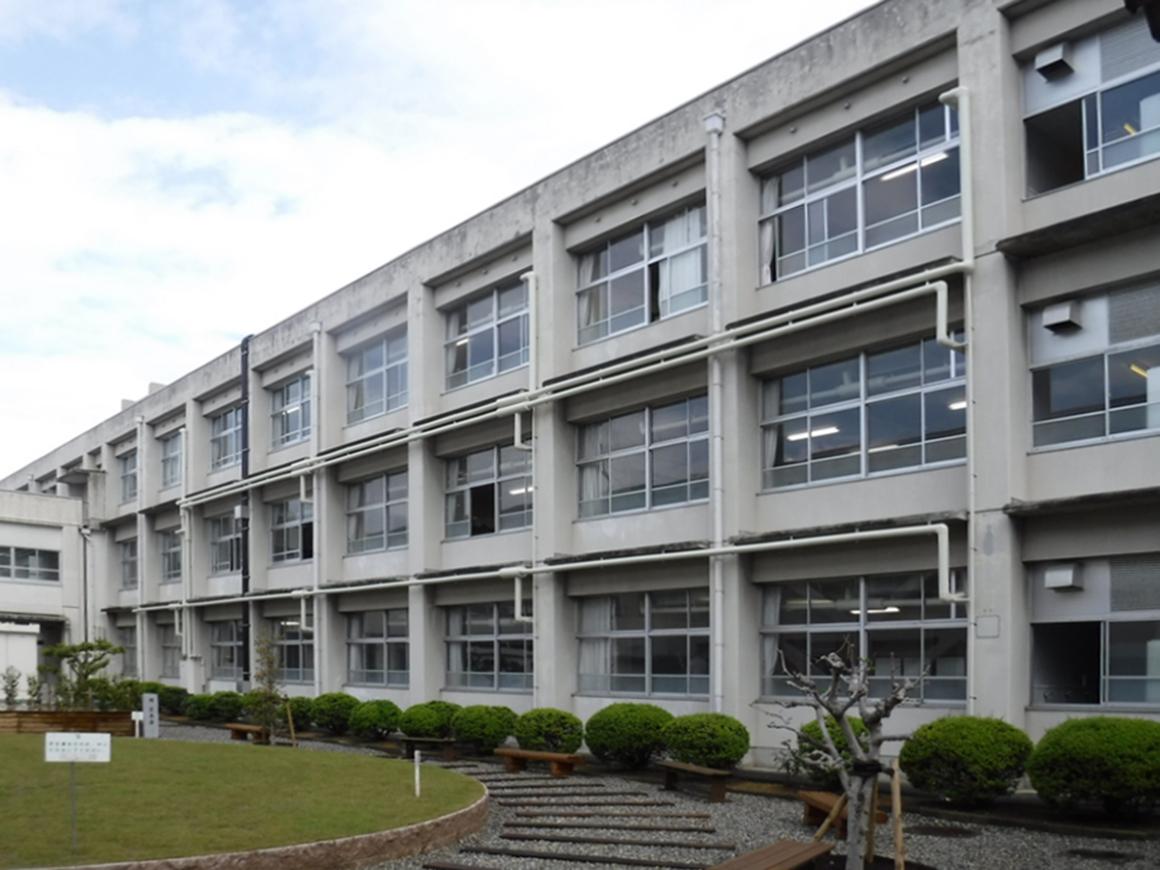 彦根翔西館高等学校 空調設備整備およびサービス提供 画像04