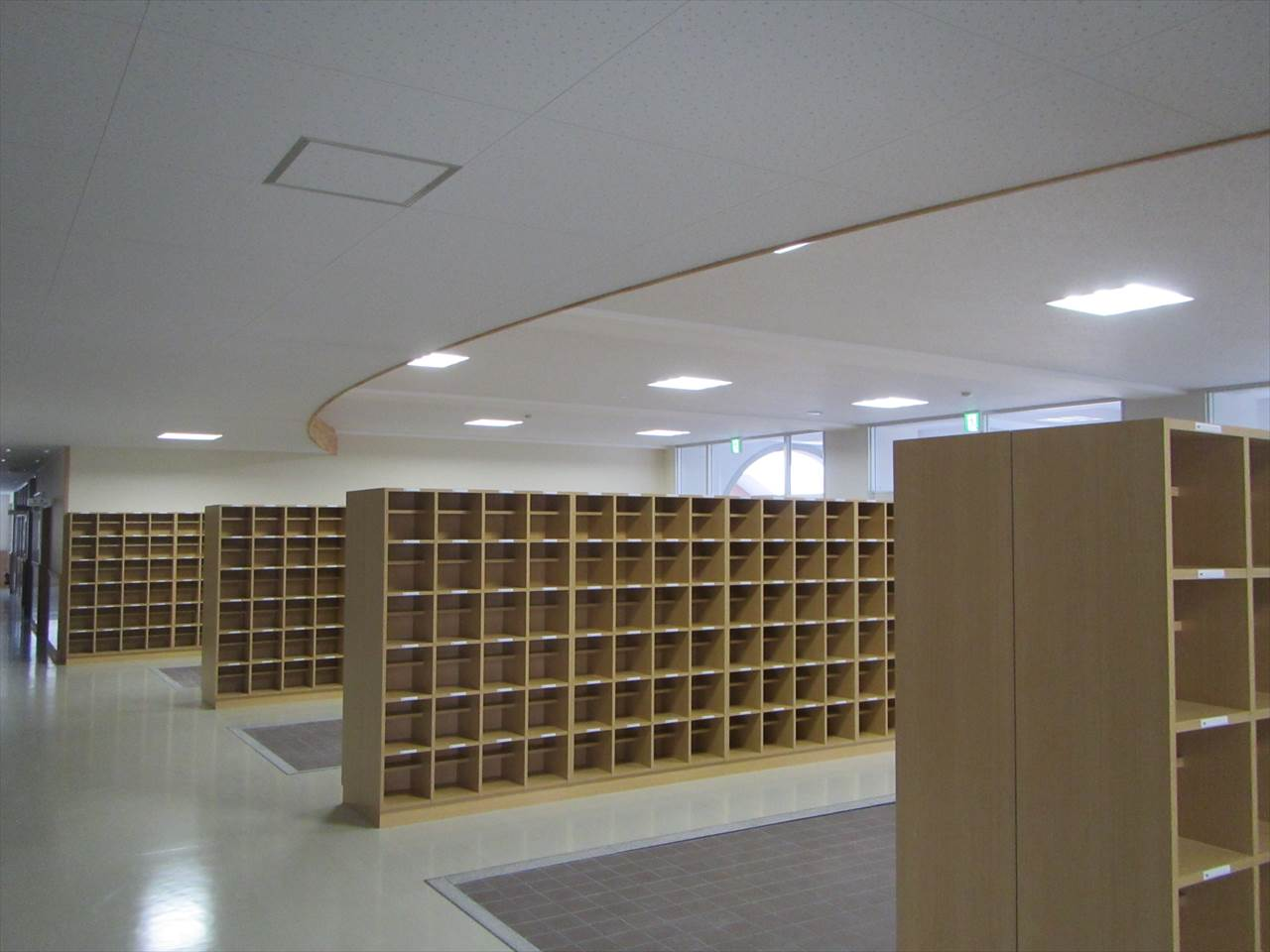 長浜北高校校舎新築その他電気設備工事 画像02