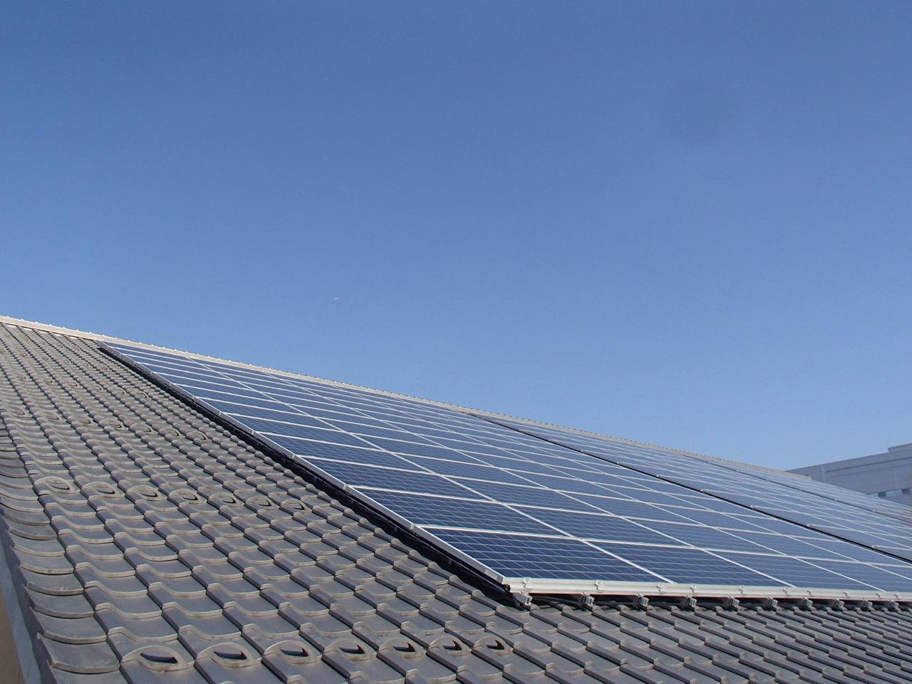 あけぼのパーク多賀太陽光発電設備等設置・LED照明器具更新工事 画像01