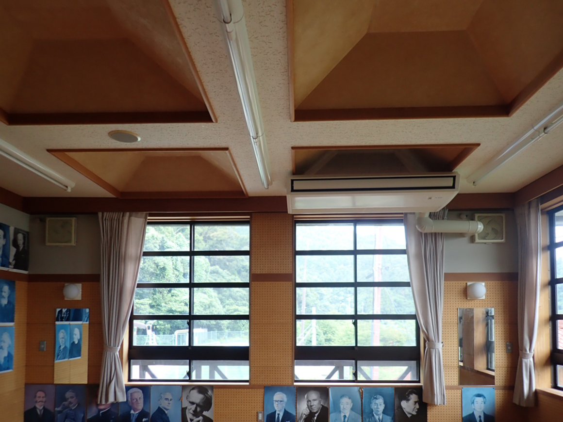 近江八幡市小中学校特別教室空調機設置工事 画像02